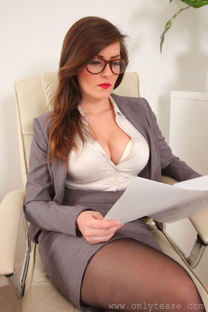 Sexy Nude Secretary 33