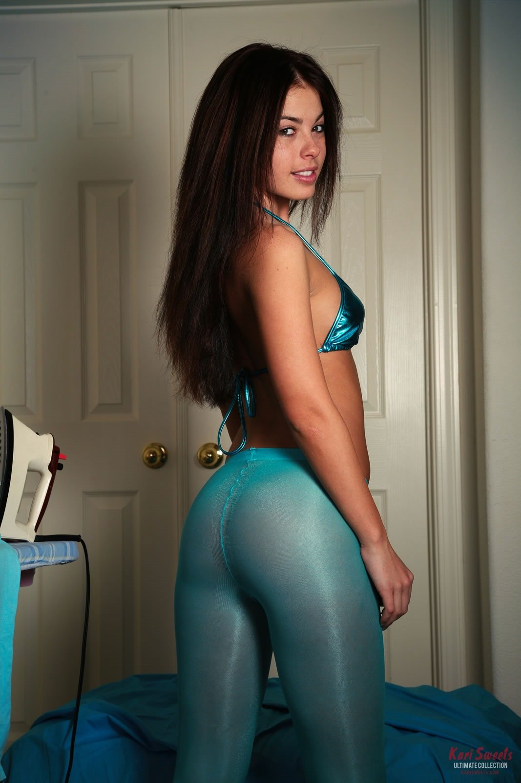 Teen In Leggins
